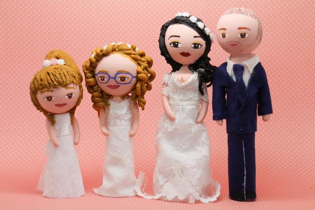 Figurines portrait des mariés et de leurs filles