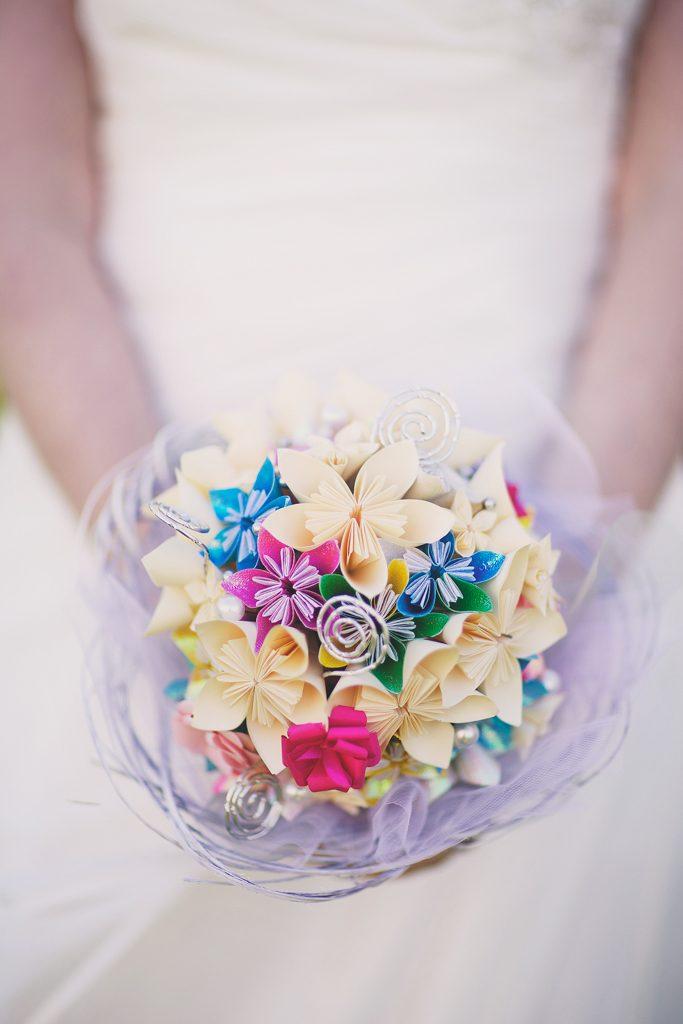 Bouquet de fleurs en papier coloré