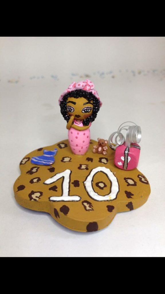 Figurine plaque anniversaire thème Afrique