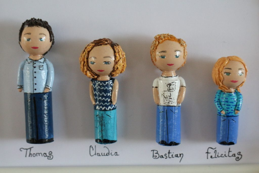 Cadre portrait 4 figurines