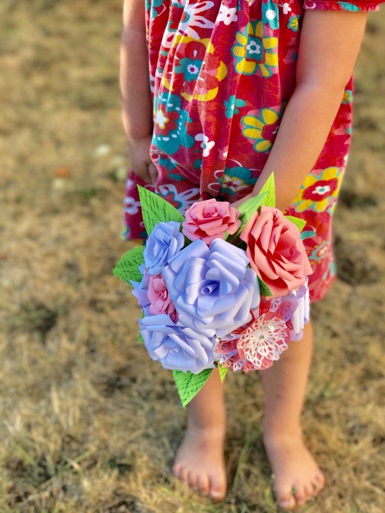 Bouquet demoiselle d'honneur roses blanches et rose