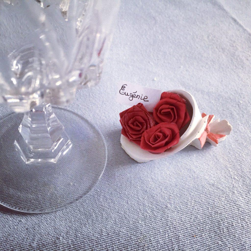 Porte nom bouquet roses rouge